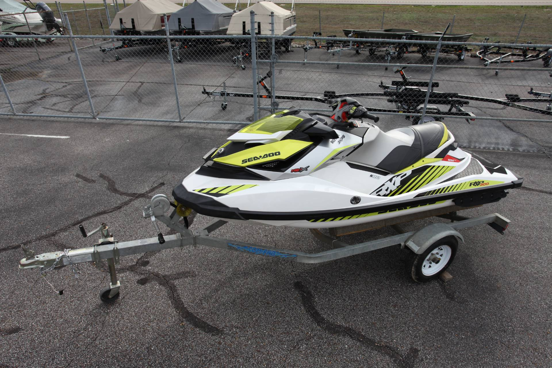 2017 Sea-Doo RXP-X 300 in Memphis, Tennessee - Photo 2