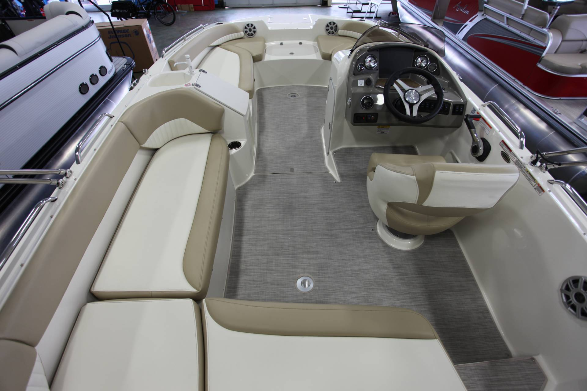 2018 Stingray 192 SC in Memphis, Tennessee - Photo 7