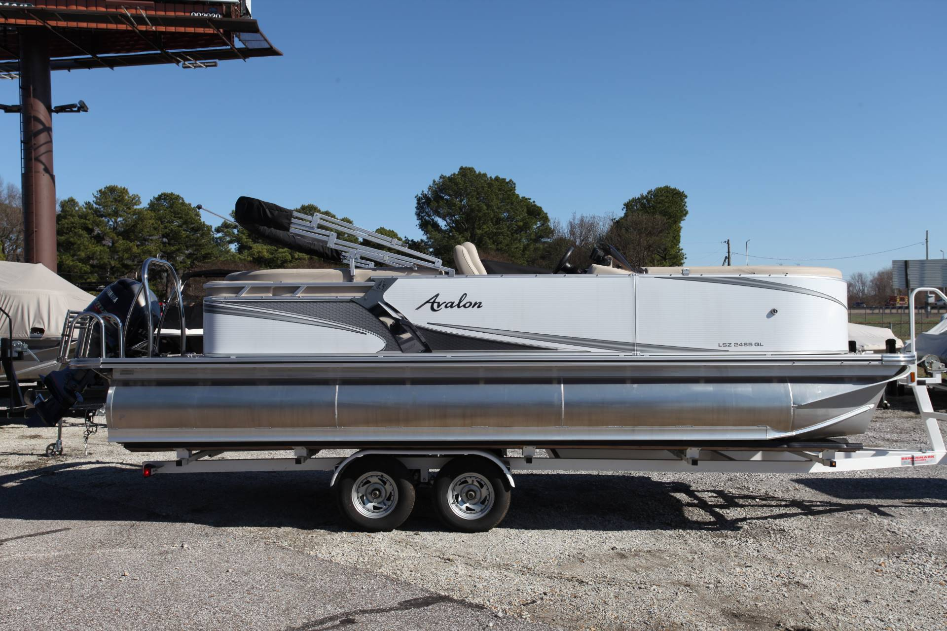 2018 Avalon LSZ 2485 QL in Memphis, Tennessee - Photo 2