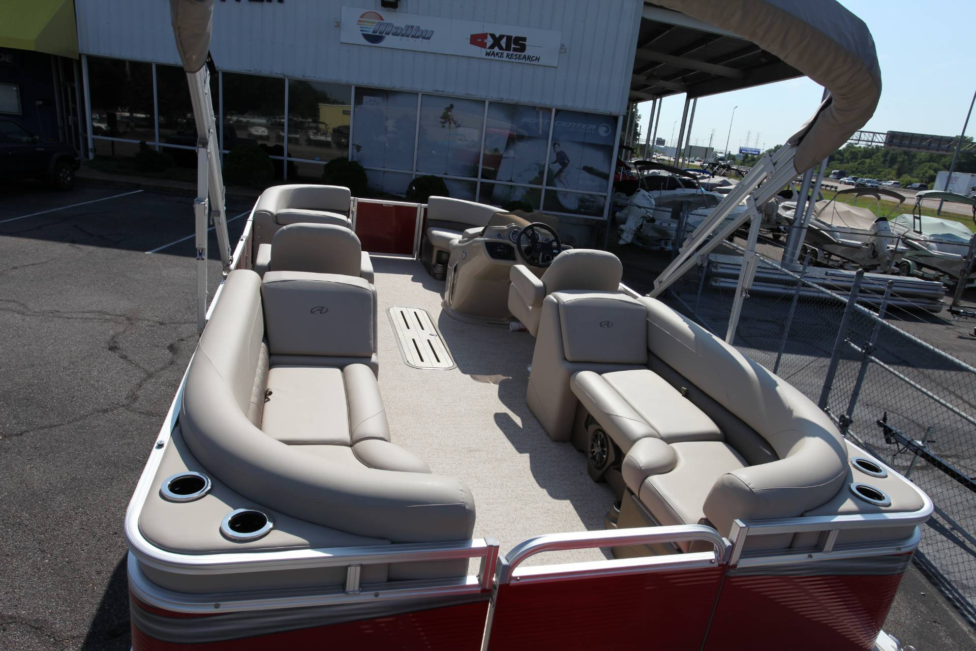 2019 Avalon LSZ 2485 QL in Memphis, Tennessee - Photo 13