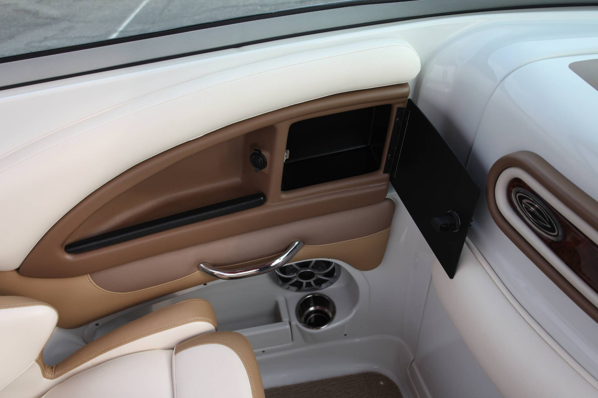 2015 Crownline Eclipse E4 in Memphis, Tennessee - Photo 17