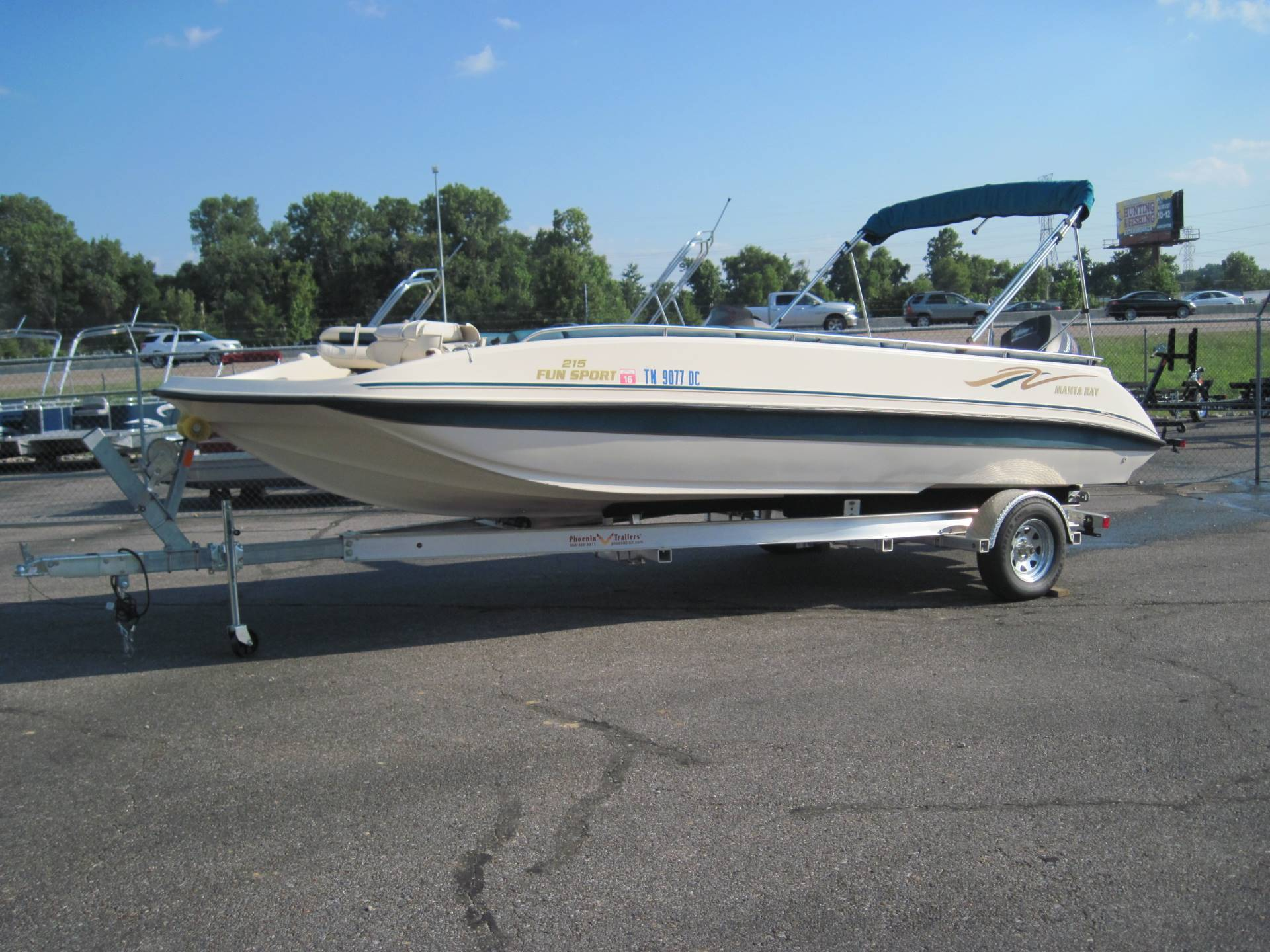 1997 Manta Ray 215 Fun Sport in Memphis, Tennessee - Photo 1