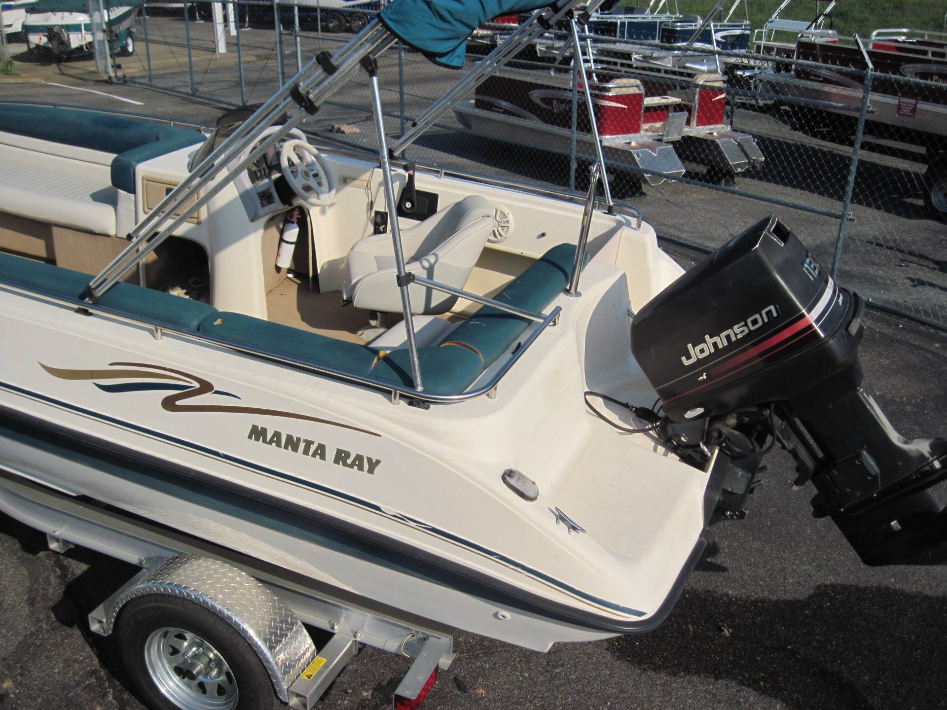 1997 Manta Ray 215 Fun Sport in Memphis, Tennessee - Photo 7