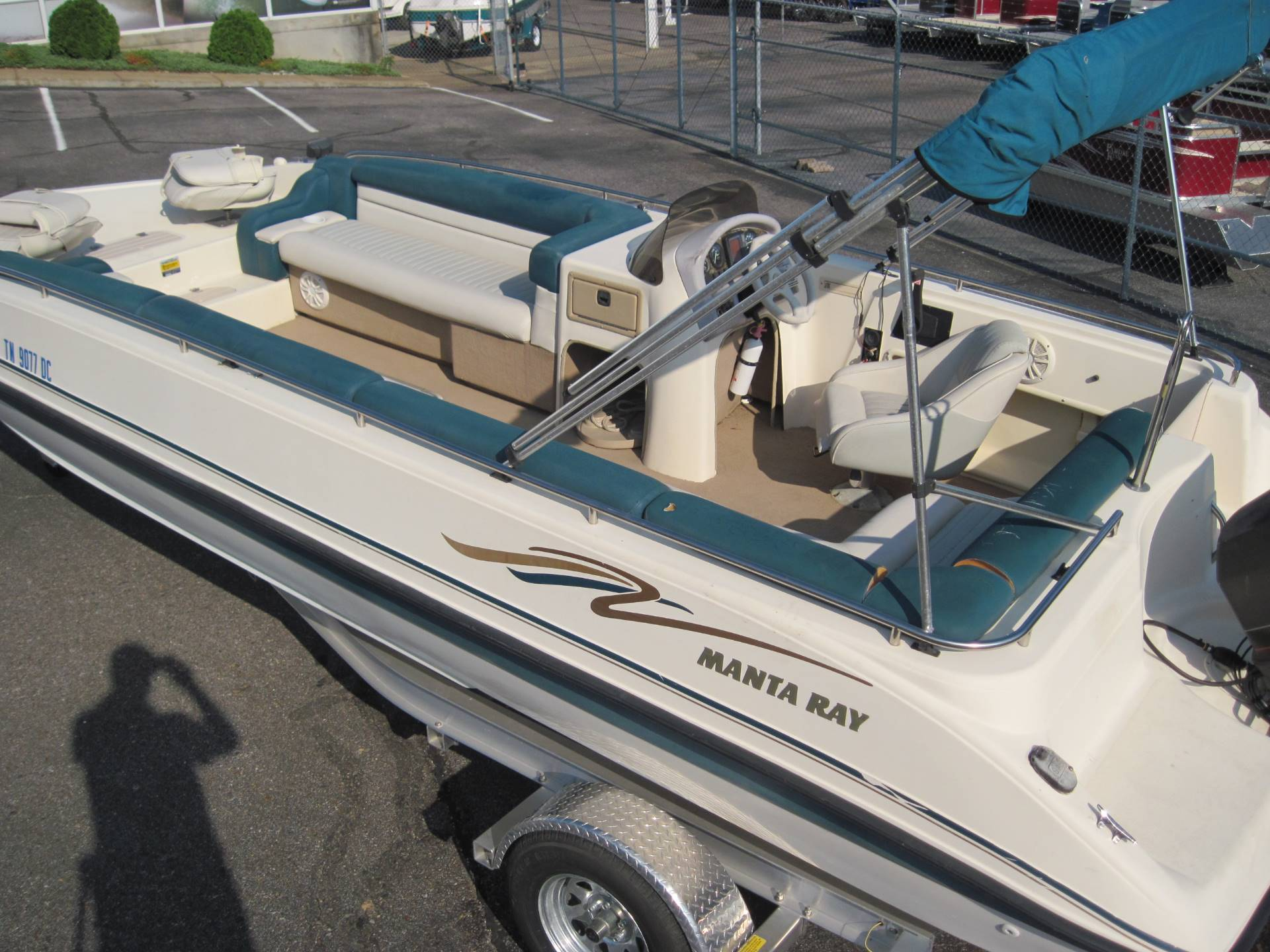 1997 Manta Ray 215 Fun Sport in Memphis, Tennessee - Photo 8