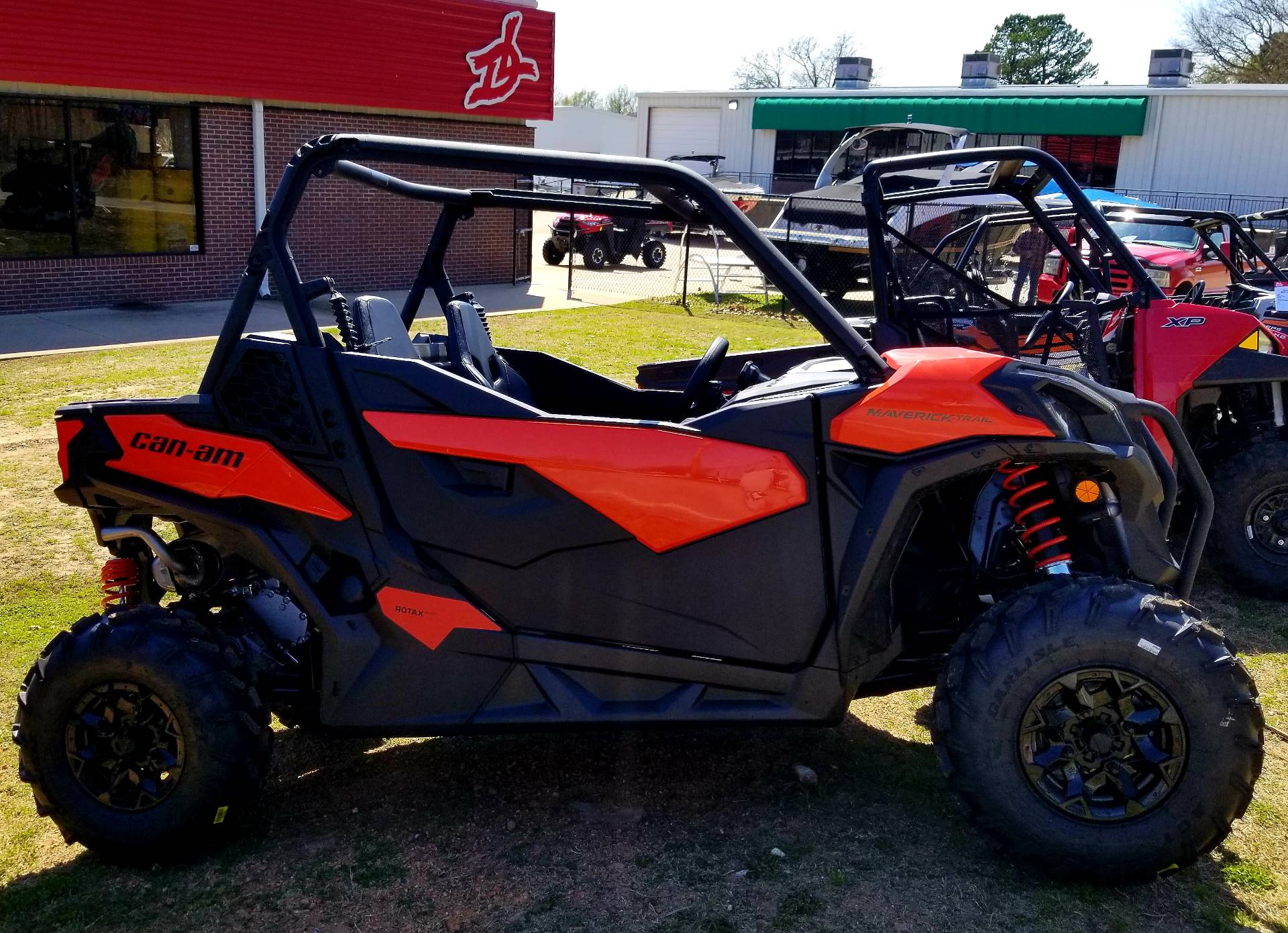 2018 Can-Am Maverick Trail 1000 DPS in Afton, Oklahoma