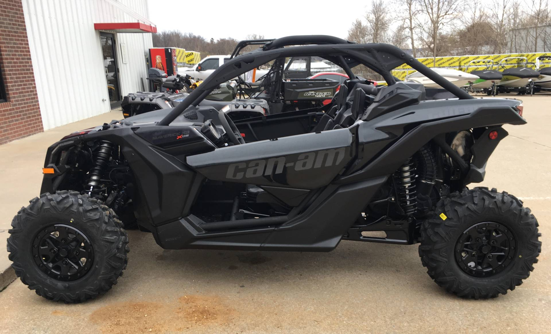2017 Can-Am™ Maverick X3 X ds Turbo R 2
