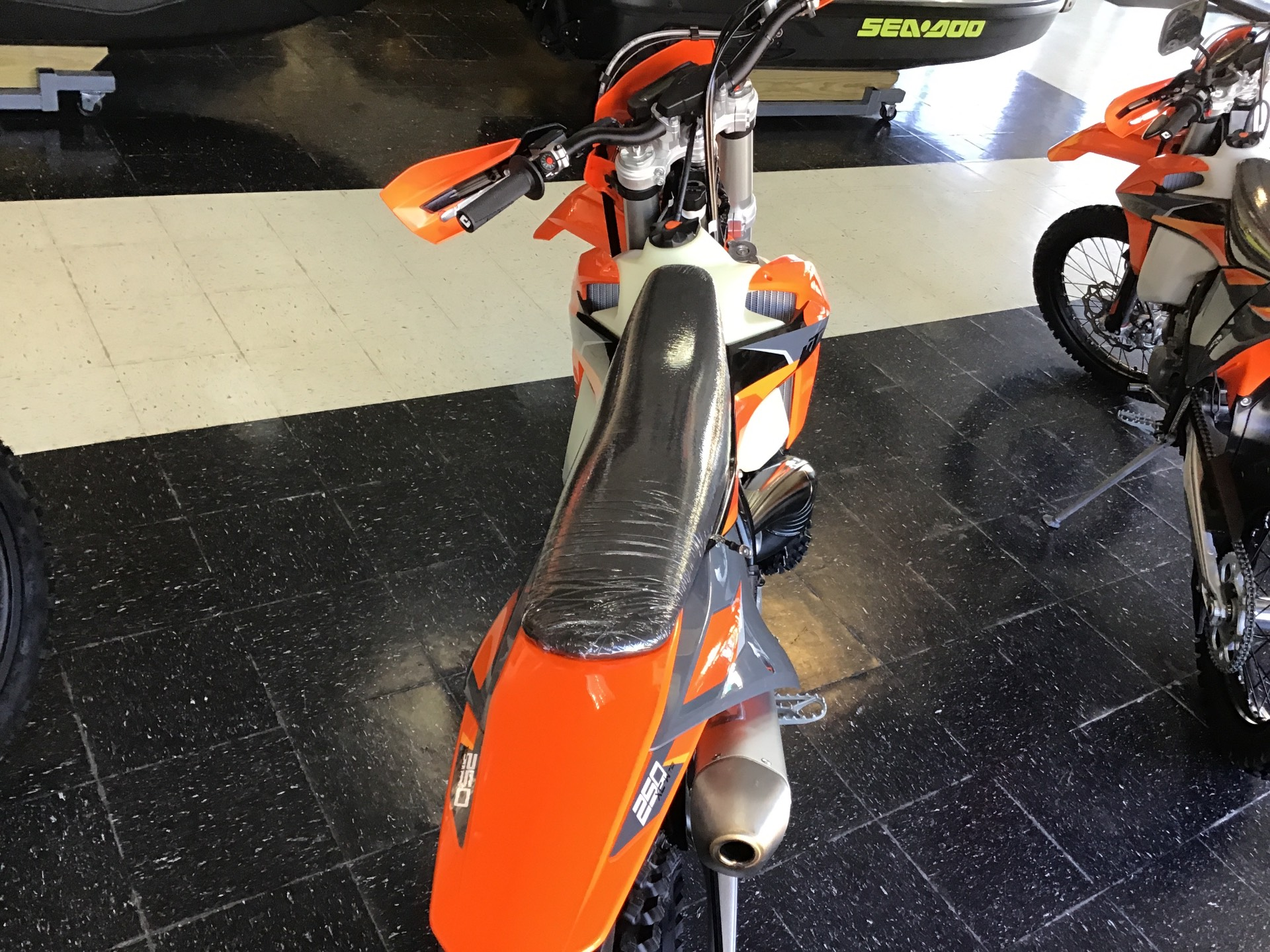 2021 KTM 250 XC-W TPI in Afton, Oklahoma - Photo 3