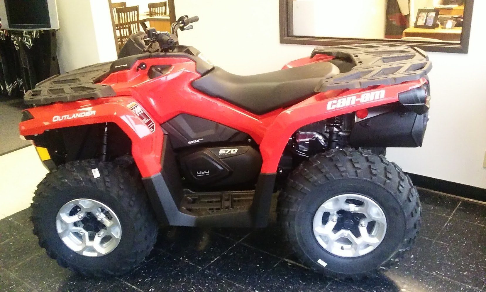 2016 Can-Am Outlander DPS 570 in Afton, Oklahoma