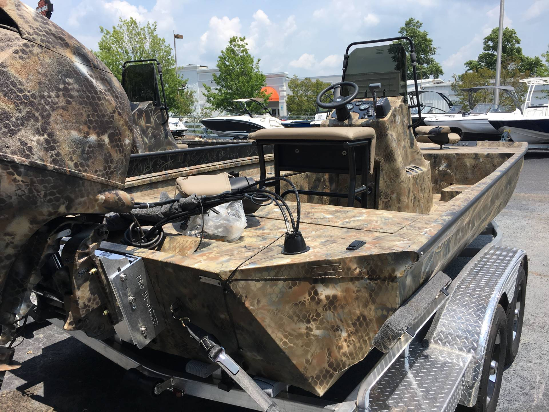 2018 Excel 2172 CATFISH PRO CC in Goldsboro, North Carolina