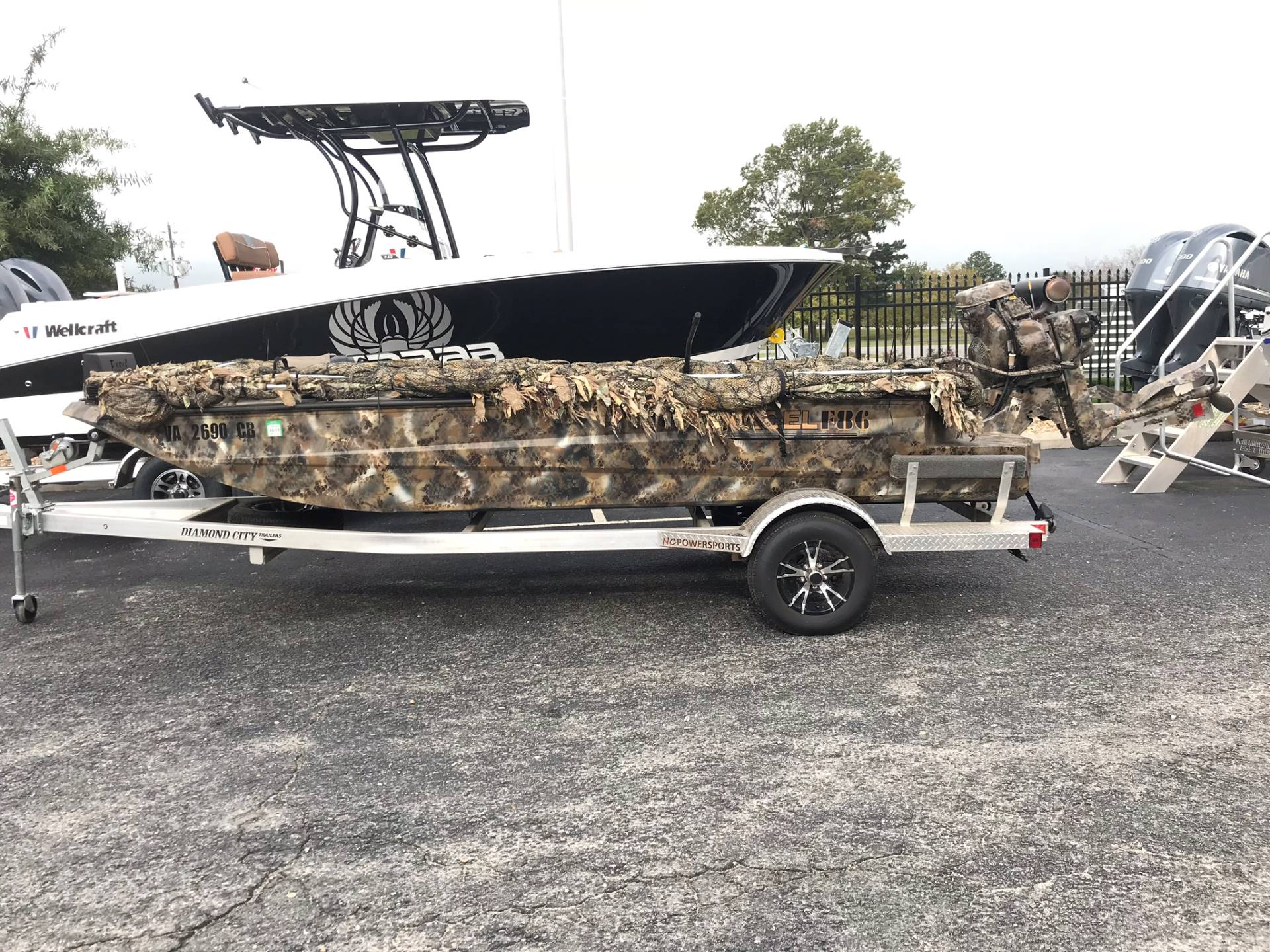 2017 Excel 1754 SHALLOW WATER V FRONT F4 SERIES in Goldsboro, North Carolina