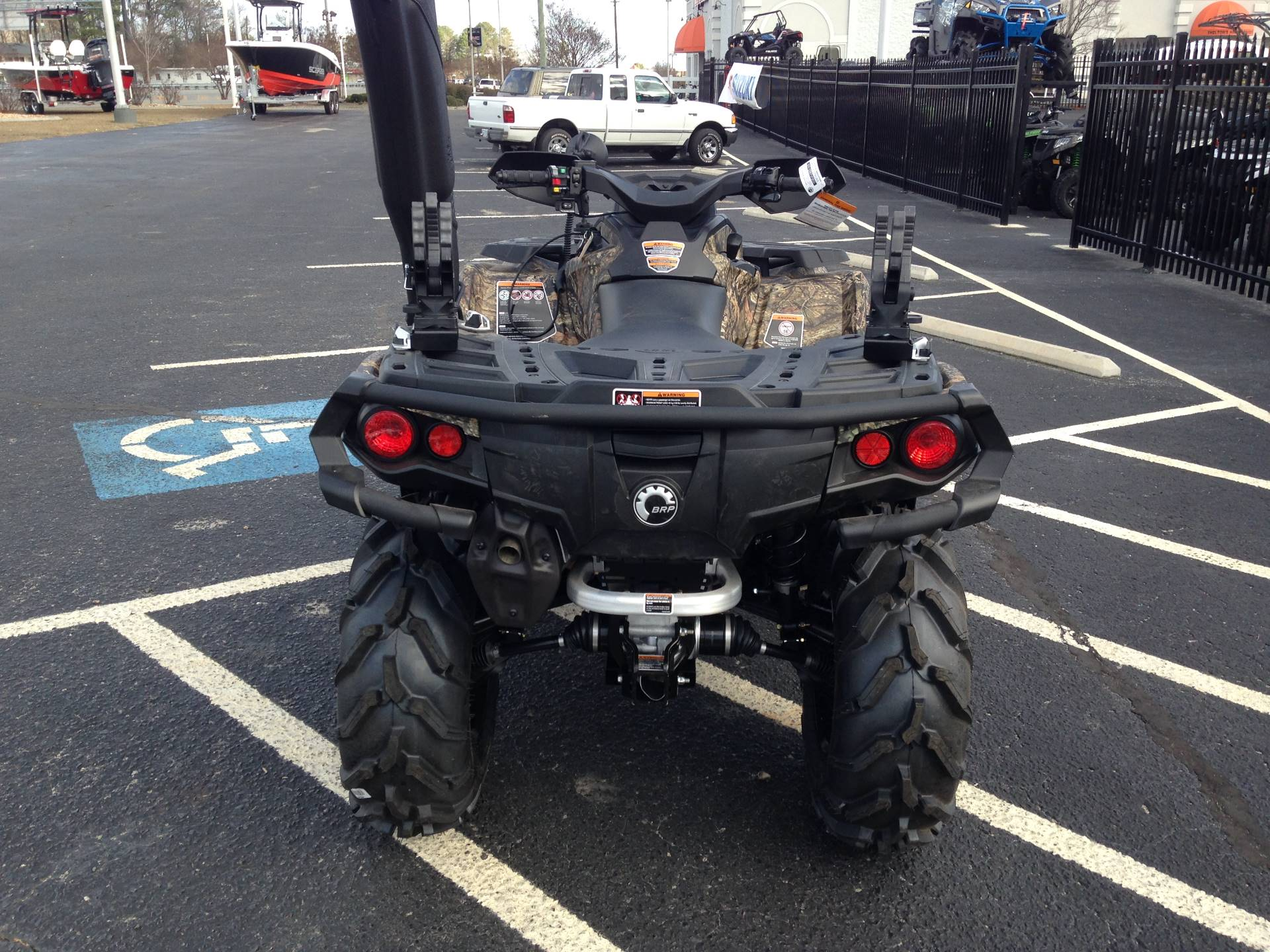 2017 Can-Am Outlander Mossy Oak Hunting Edition 1000R in Goldsboro, North Carolina