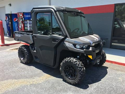 2017 Can-Am Defender XT CAB HD10 in Goldsboro, North Carolina