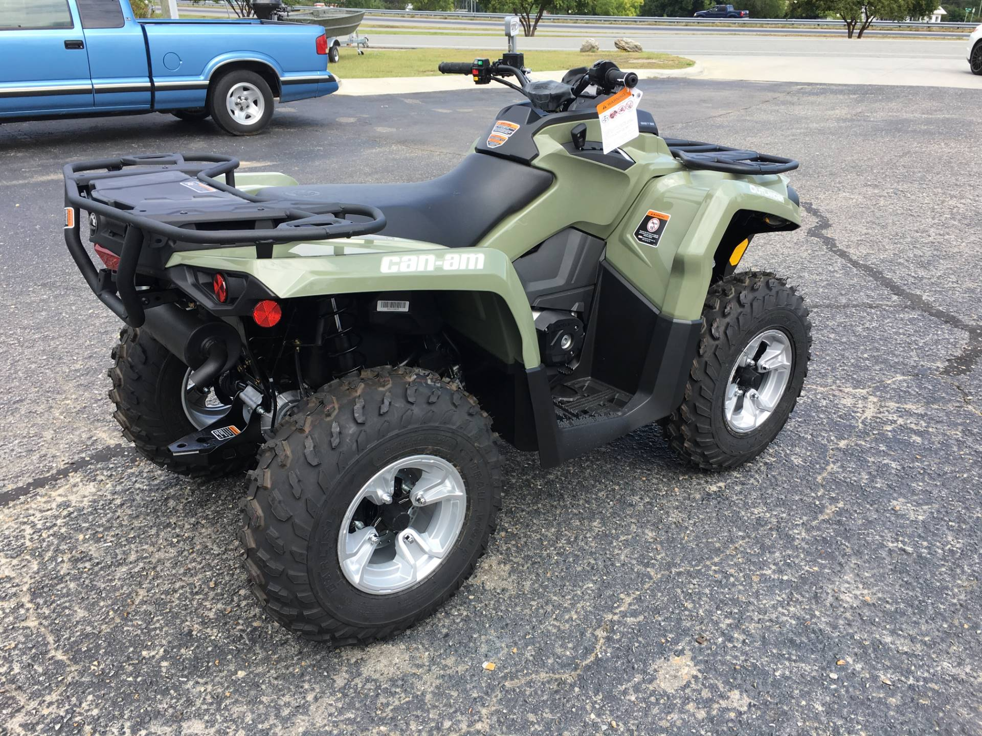 2017 Can-Am Outlander DPS 570 in Goldsboro, North Carolina