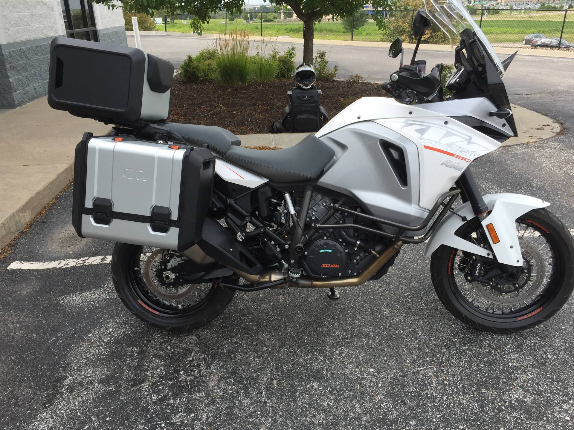 2015 KTM 1290 Super Adventure in Omaha, Nebraska - Photo 3