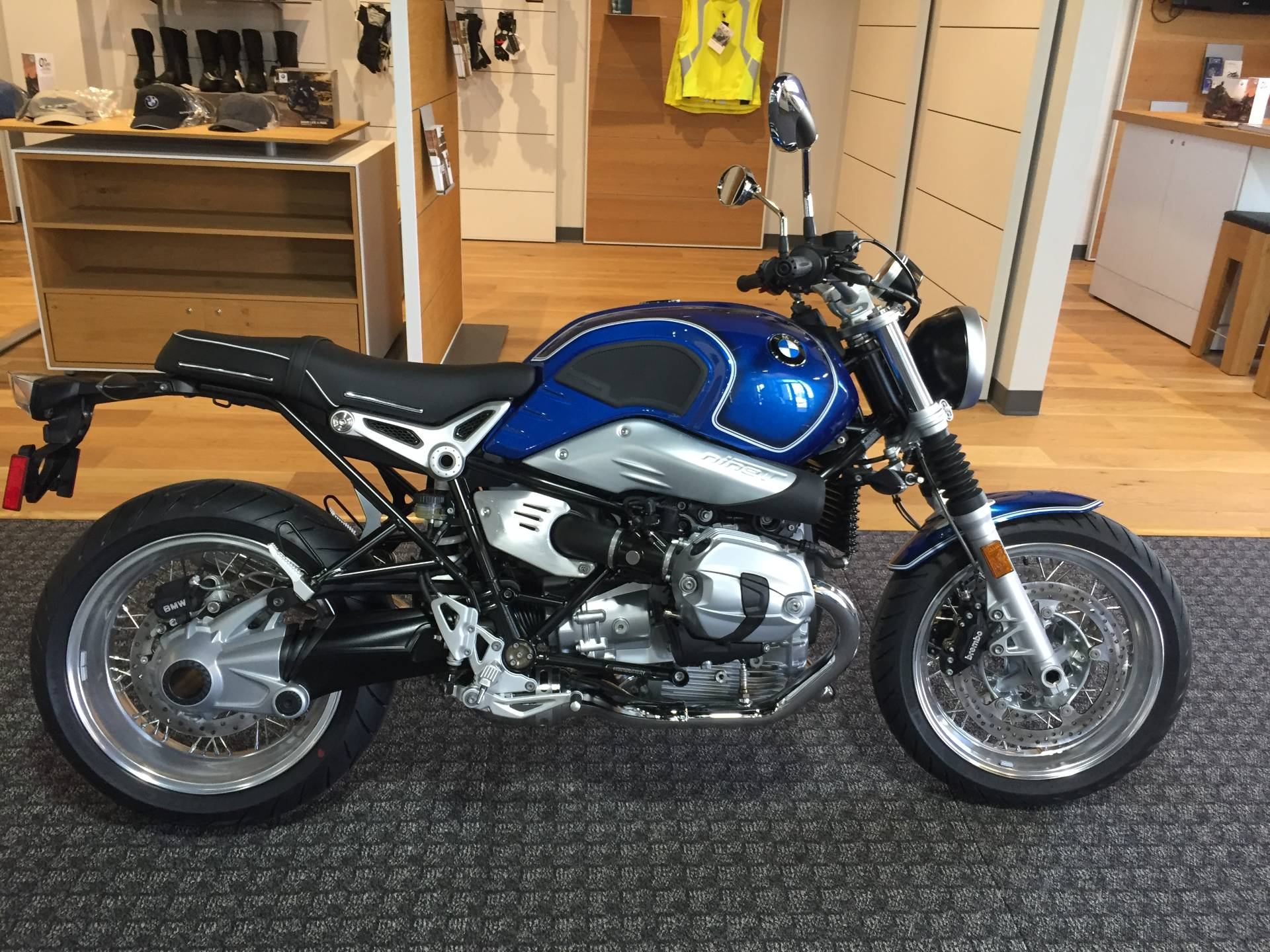 2020 BMW R nineT /5 in Omaha, Nebraska - Photo 1