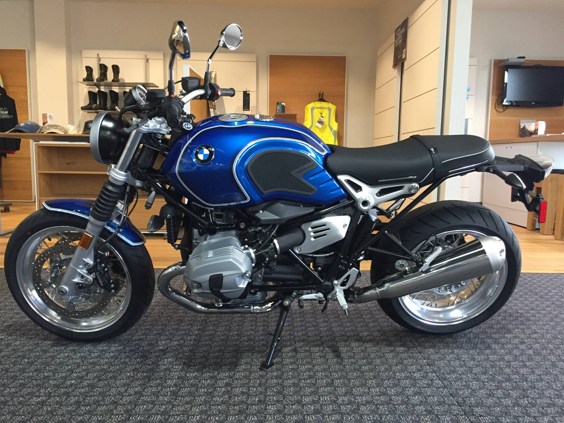 2020 BMW R nineT /5 in Omaha, Nebraska - Photo 2