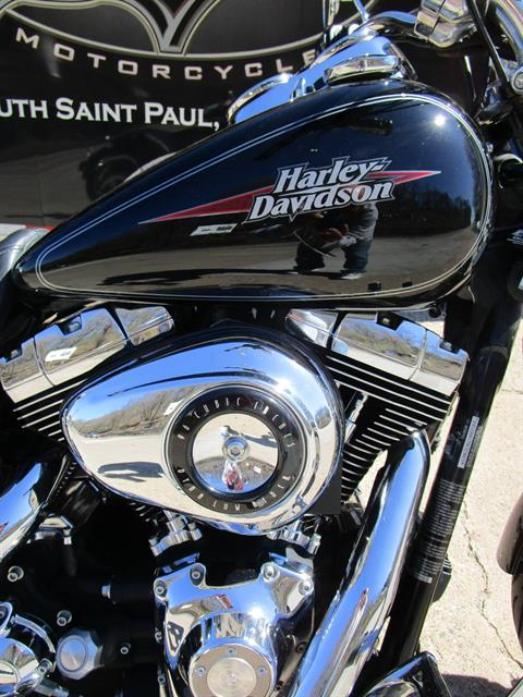 2009 Harley-Davidson Dyna® Low Rider® in South Saint Paul, Minnesota - Photo 2