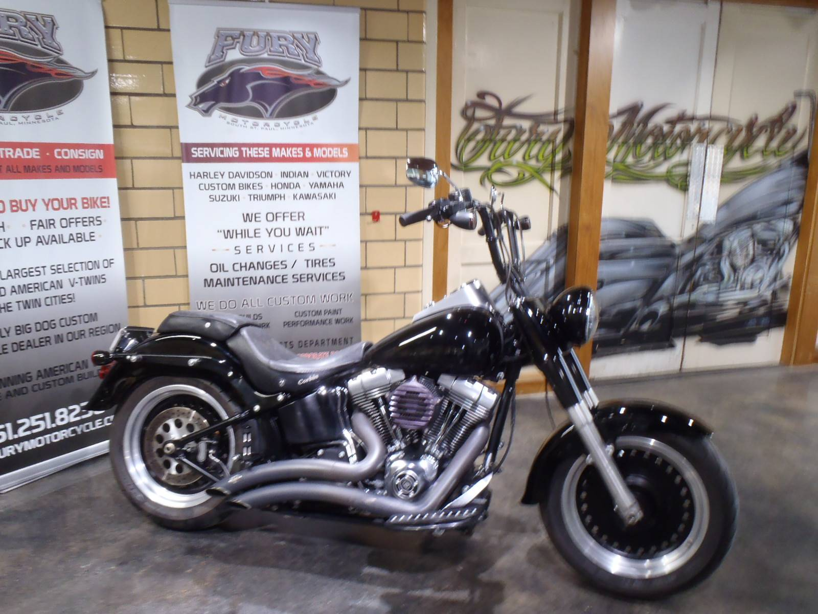 2010 Harley-Davidson Softail® Fat Boy® Lo in South Saint Paul, Minnesota - Photo 2