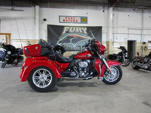 2013 Harley-Davidson FLHTCUTG TRI GLIDE in South Saint Paul, Minnesota - Photo 1