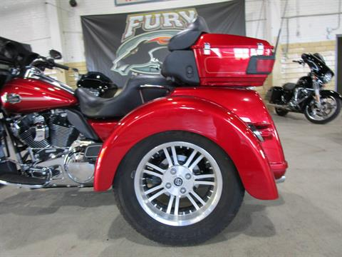 2013 Harley-Davidson FLHTCUTG TRI GLIDE in South Saint Paul, Minnesota - Photo 9
