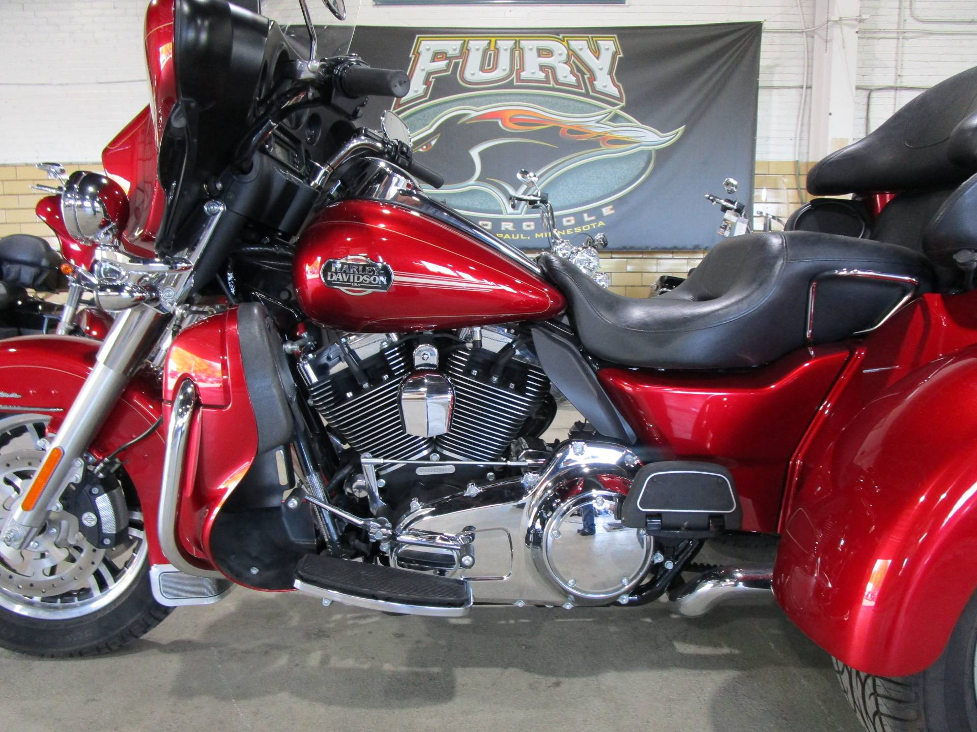 2013 Harley-Davidson FLHTCUTG TRI GLIDE in South Saint Paul, Minnesota - Photo 10