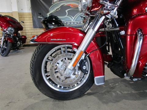 2013 Harley-Davidson FLHTCUTG TRI GLIDE in South Saint Paul, Minnesota - Photo 11
