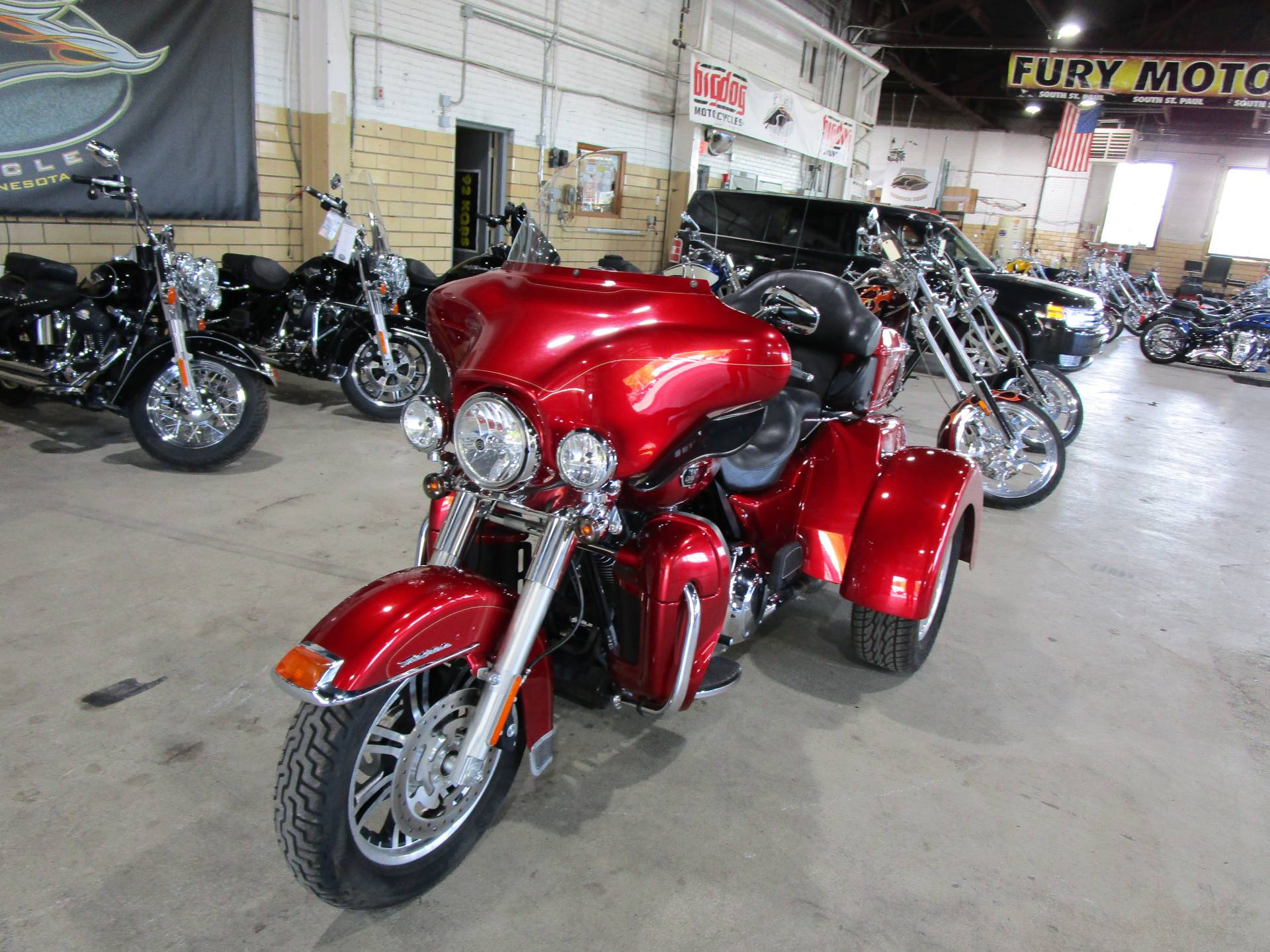 2013 Harley-Davidson FLHTCUTG TRI GLIDE in South Saint Paul, Minnesota - Photo 12
