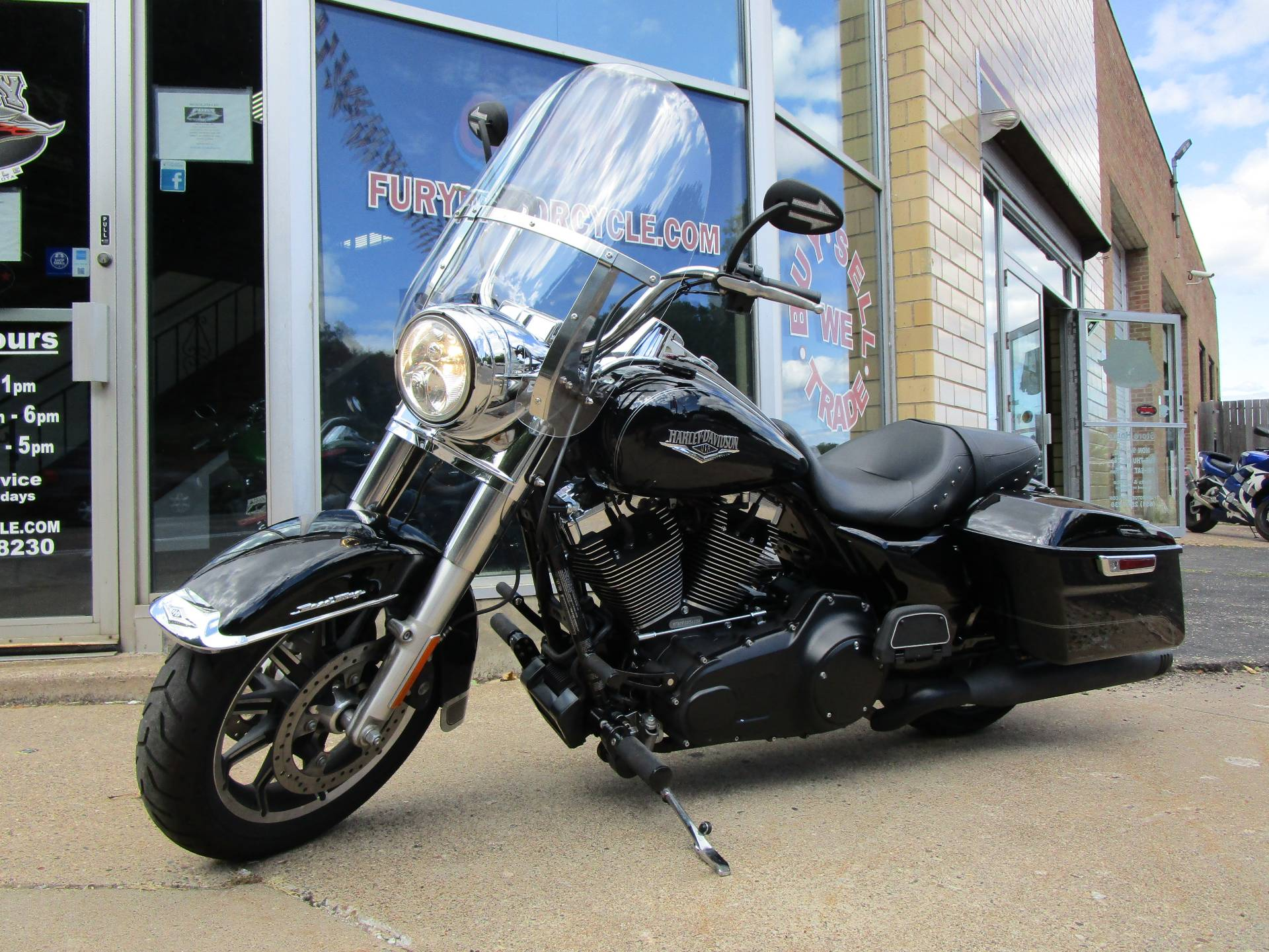2015 Harley-Davidson Road King® in South Saint Paul, Minnesota - Photo 12
