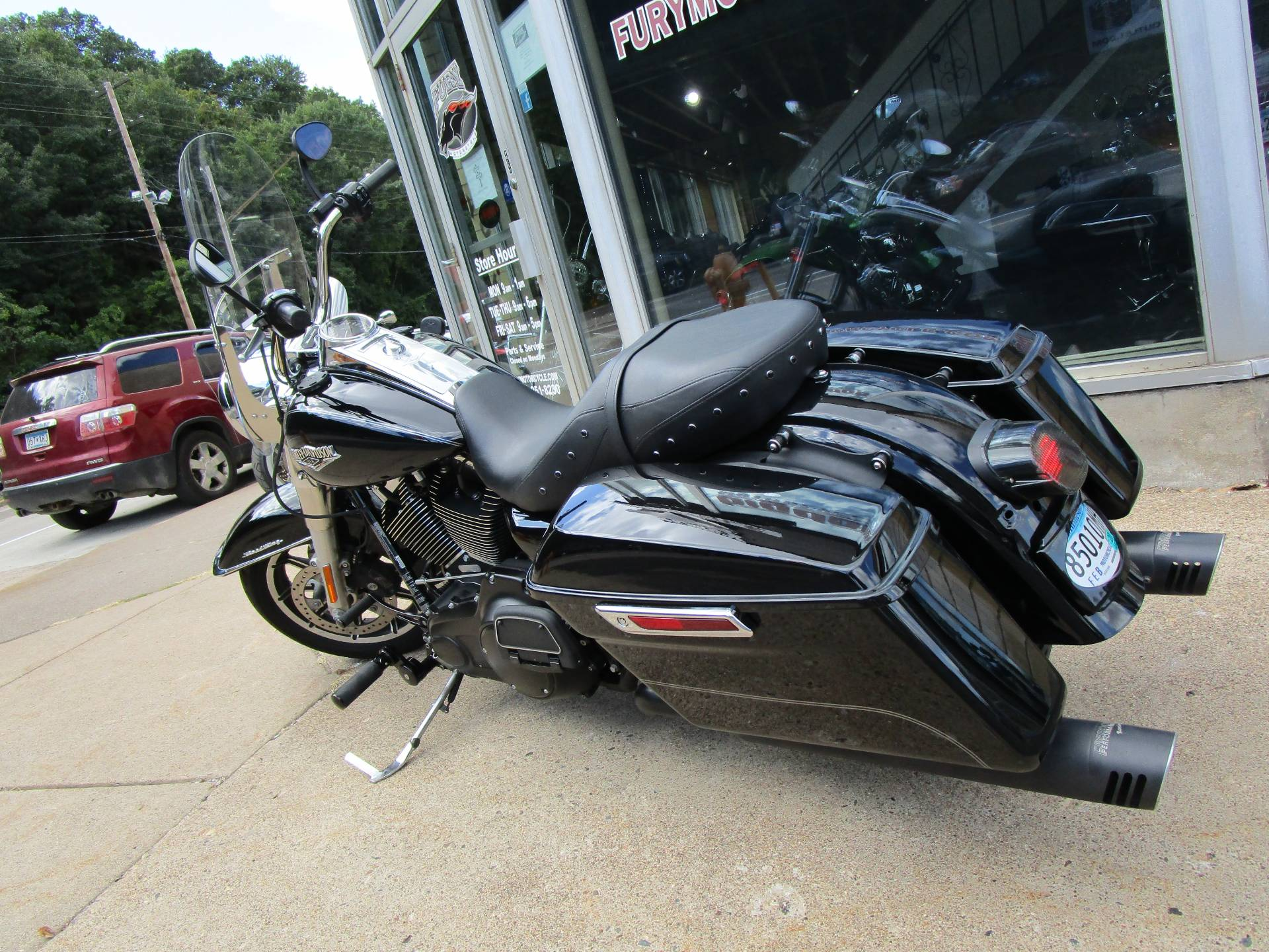 2015 Harley-Davidson Road King® in South Saint Paul, Minnesota - Photo 14