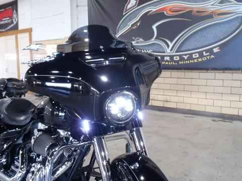 2015 Harley-Davidson Street Glide® Special in South Saint Paul, Minnesota - Photo 2