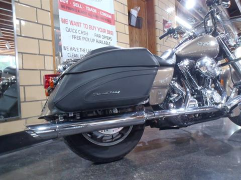2005 Harley-Davidson FLHRS/FLHRSI Road King® Custom in South Saint Paul, Minnesota - Photo 9
