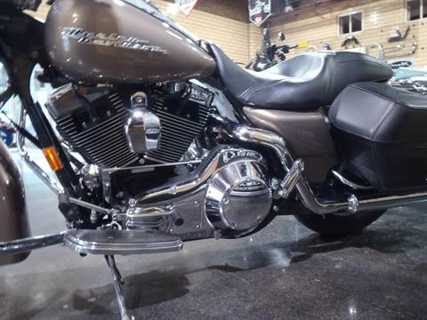 2005 Harley-Davidson FLHRS/FLHRSI Road King® Custom in South Saint Paul, Minnesota - Photo 15