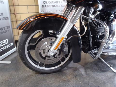 2012 Harley-Davidson Road Glide® Custom in South Saint Paul, Minnesota - Photo 14