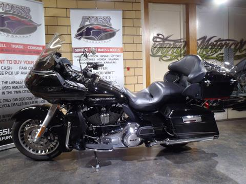 2012 Harley-Davidson Road Glide® Ultra in South Saint Paul, Minnesota - Photo 16