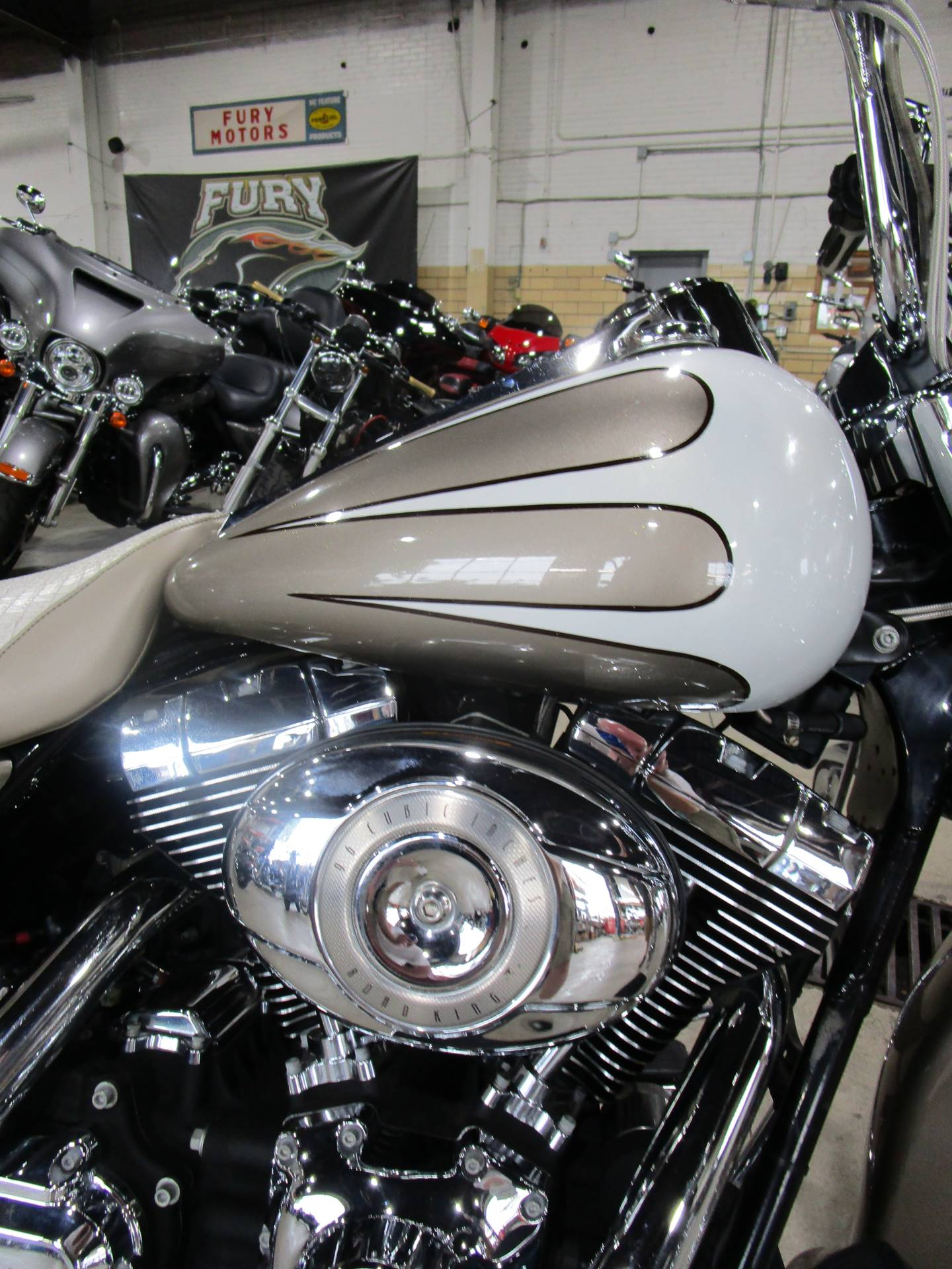 2007 Harley-Davidson FLHR Road King® in South Saint Paul, Minnesota - Photo 6