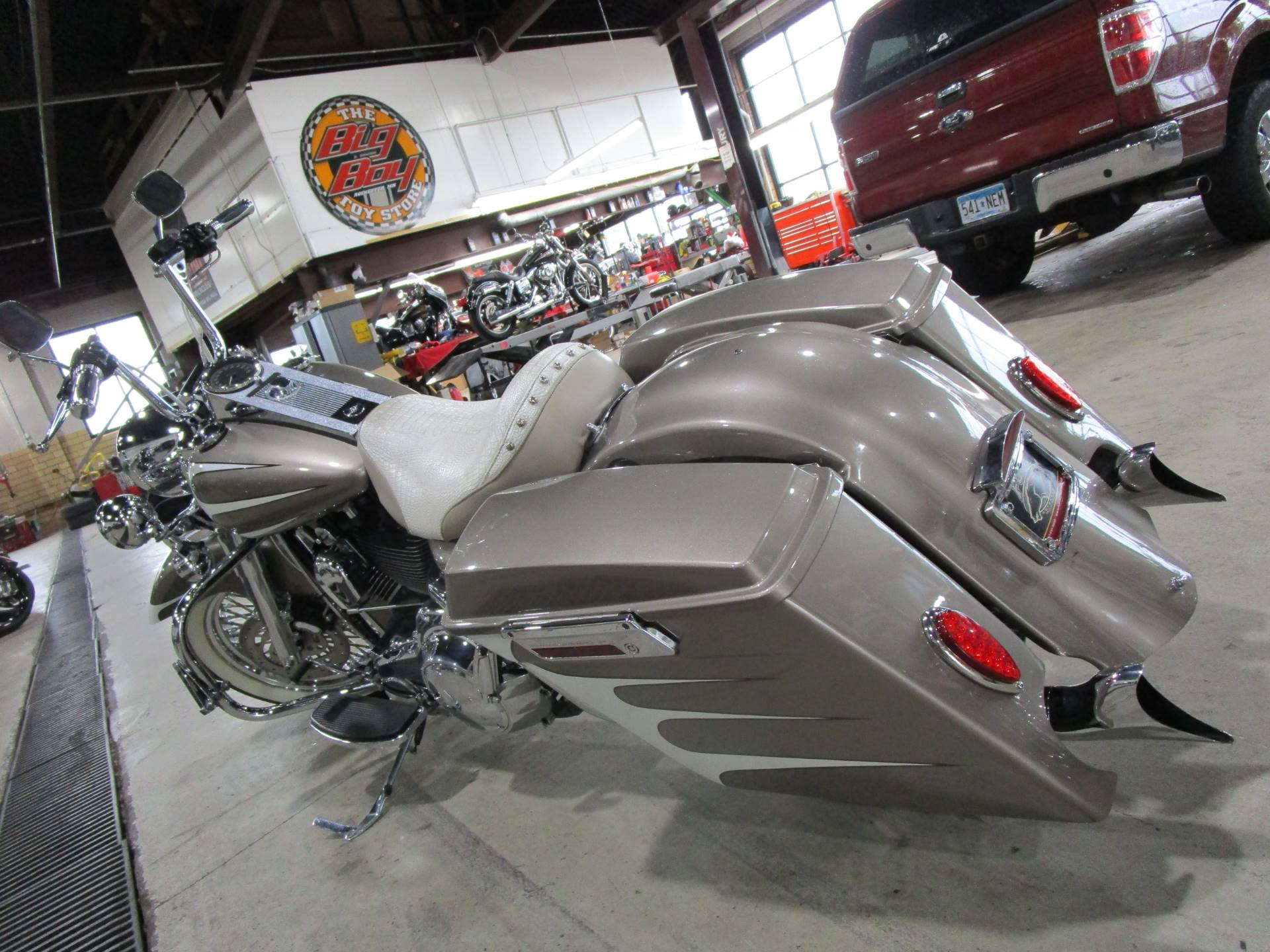 2007 Harley-Davidson FLHR Road King® in South Saint Paul, Minnesota - Photo 13
