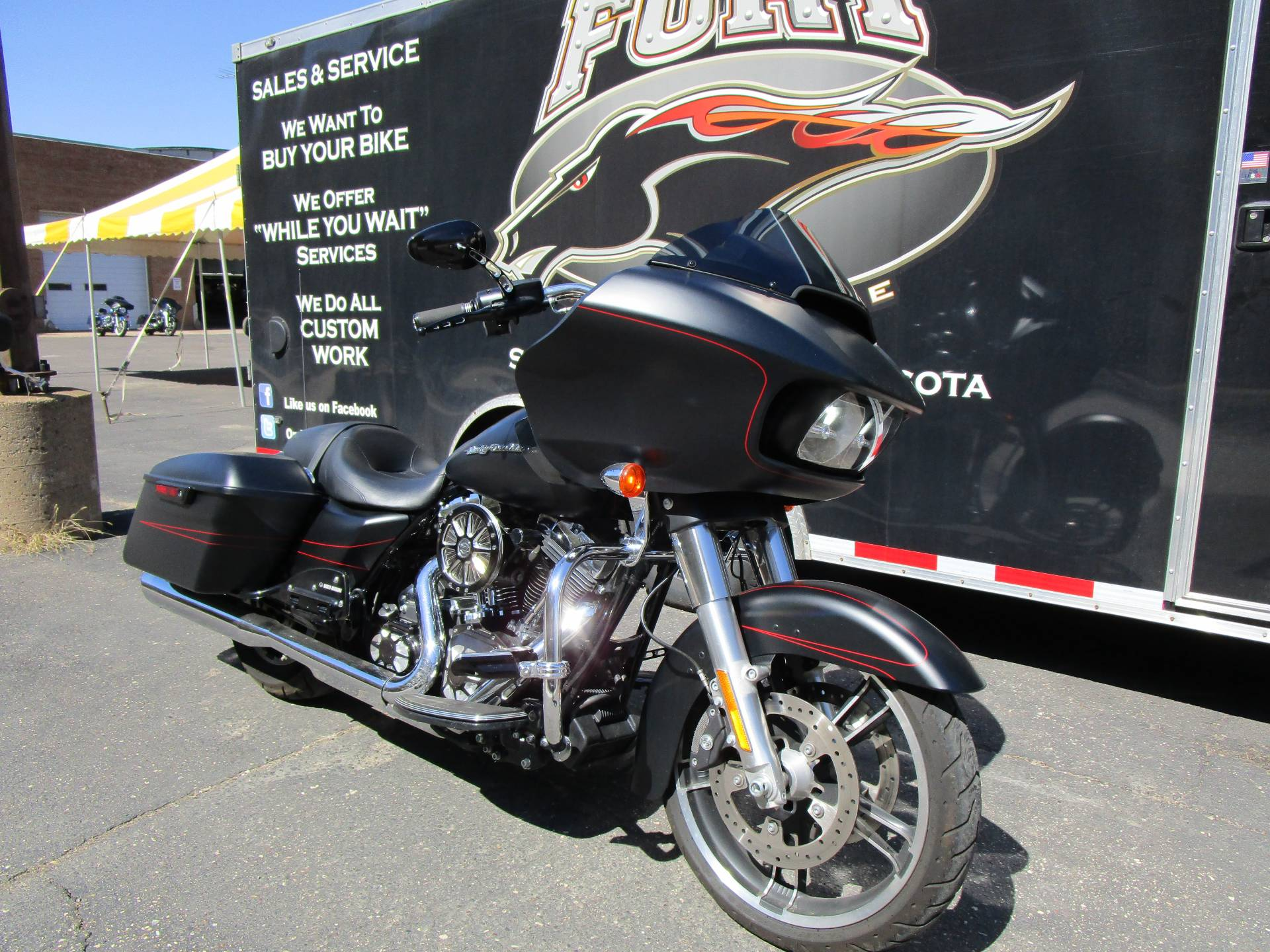 2015 Harley-Davidson FLTRXS ROAD GLIDE SPECIAL in South Saint Paul, Minnesota - Photo 2