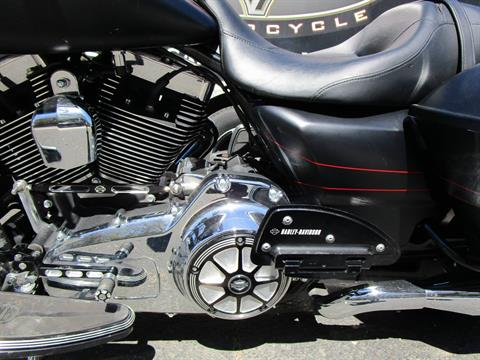 2015 Harley-Davidson FLTRXS ROAD GLIDE SPECIAL in South Saint Paul, Minnesota - Photo 16