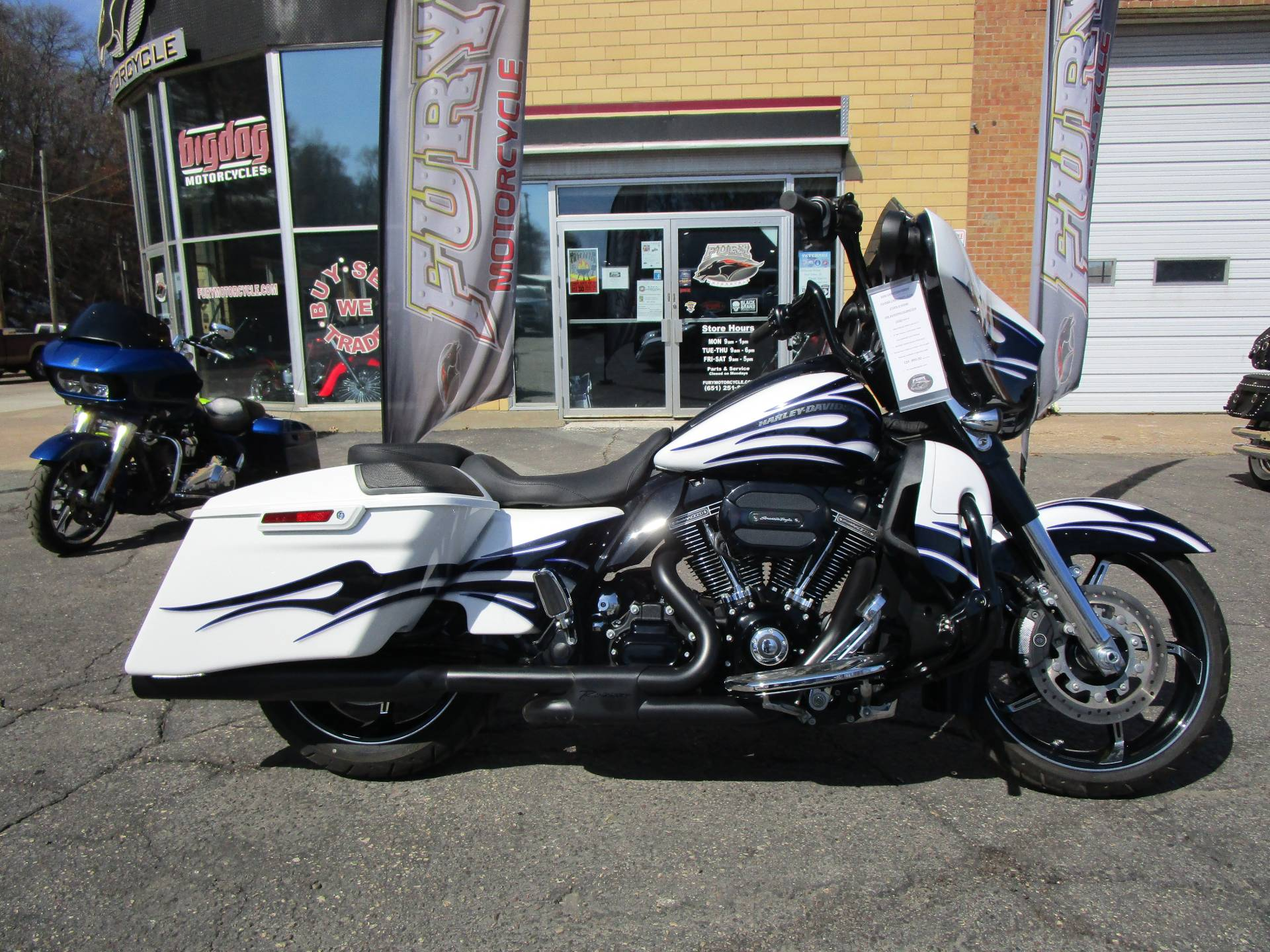 2016 Harley-Davidson CVO™ Street Glide® in South Saint Paul, Minnesota - Photo 1