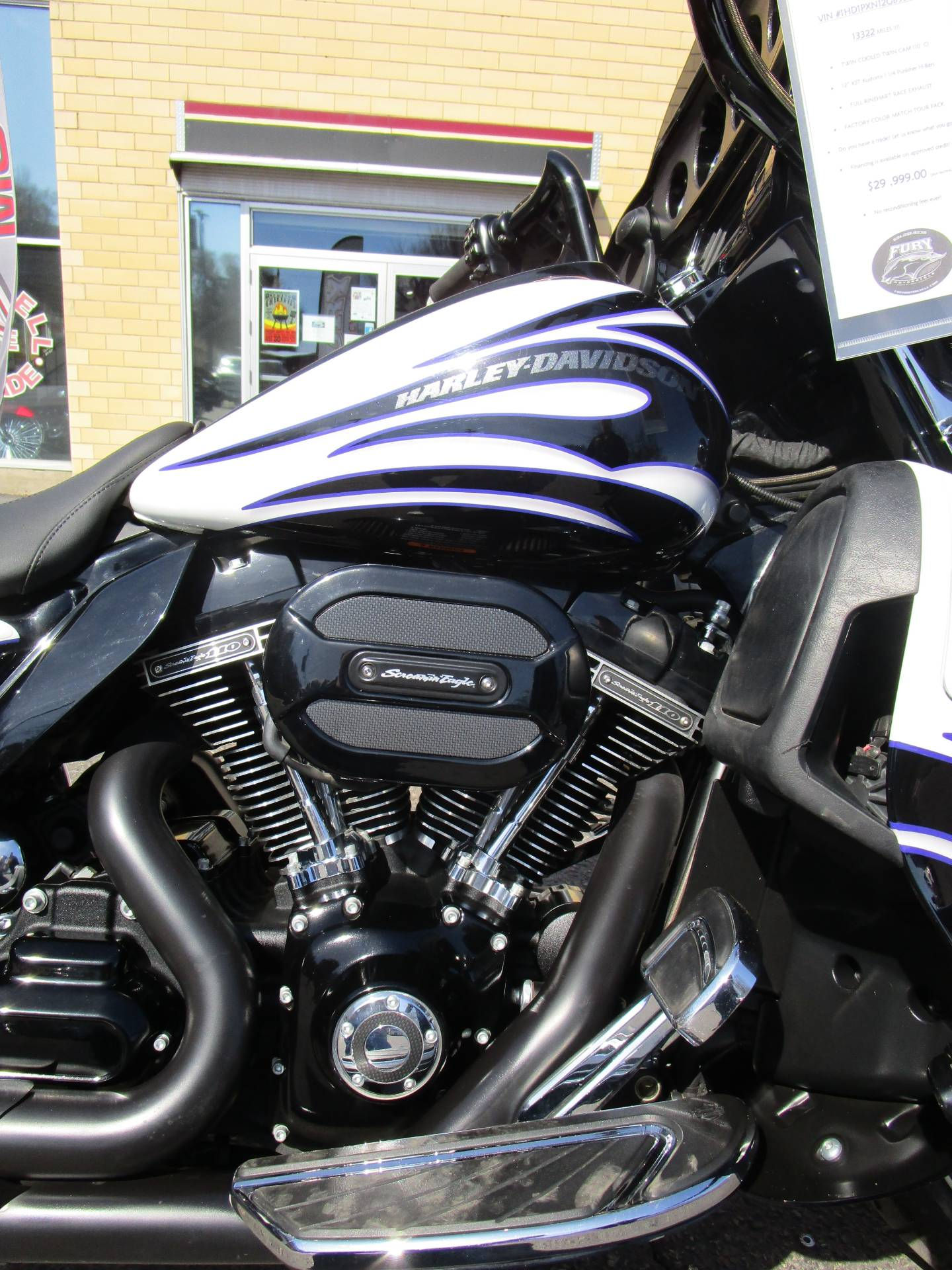 2016 Harley-Davidson CVO™ Street Glide® in South Saint Paul, Minnesota - Photo 5
