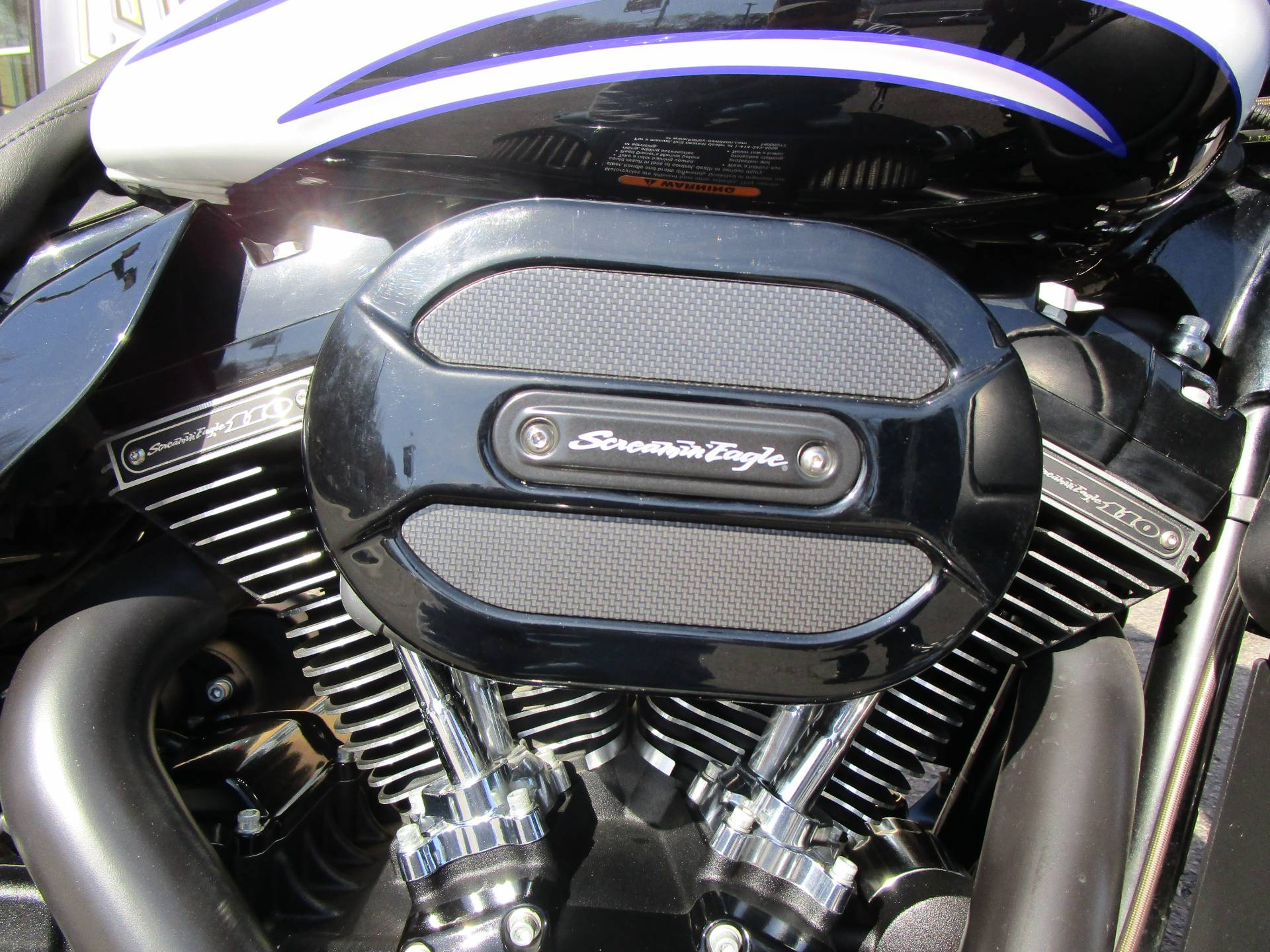 2016 Harley-Davidson CVO™ Street Glide® in South Saint Paul, Minnesota - Photo 7