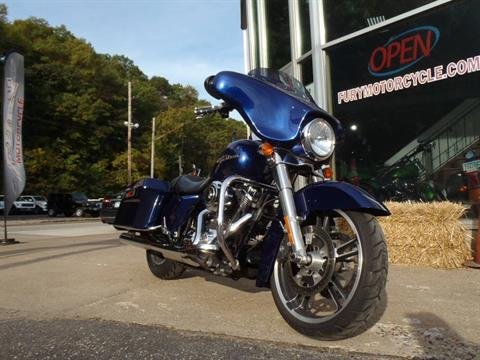 2009 Harley-Davidson Street Glide in South Saint Paul, Minnesota - Photo 3