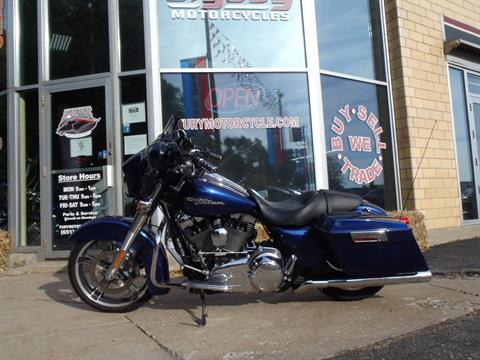 2009 Harley-Davidson Street Glide in South Saint Paul, Minnesota - Photo 11