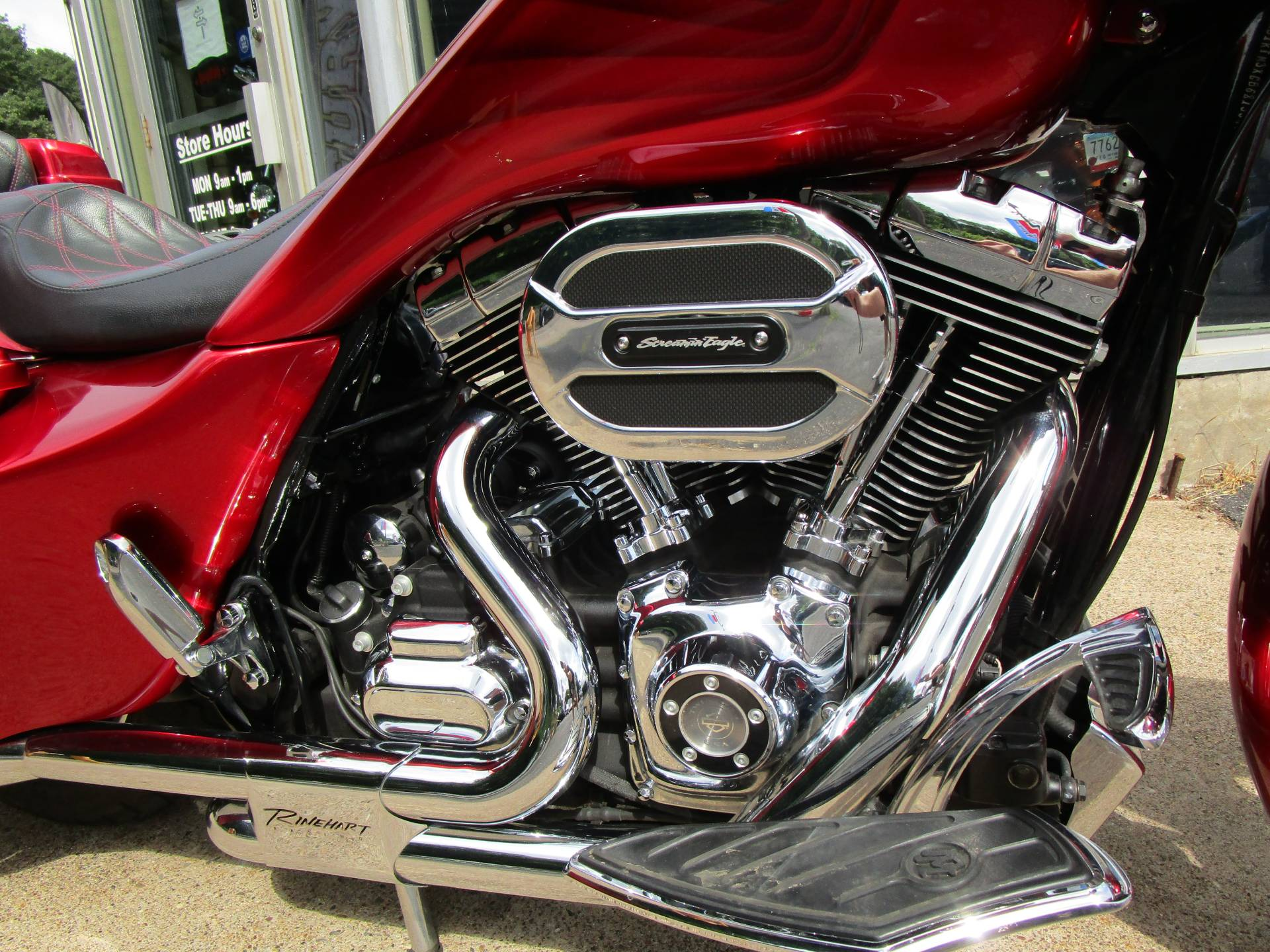 2016 Harley-Davidson Road Glide® Special in South Saint Paul, Minnesota - Photo 5