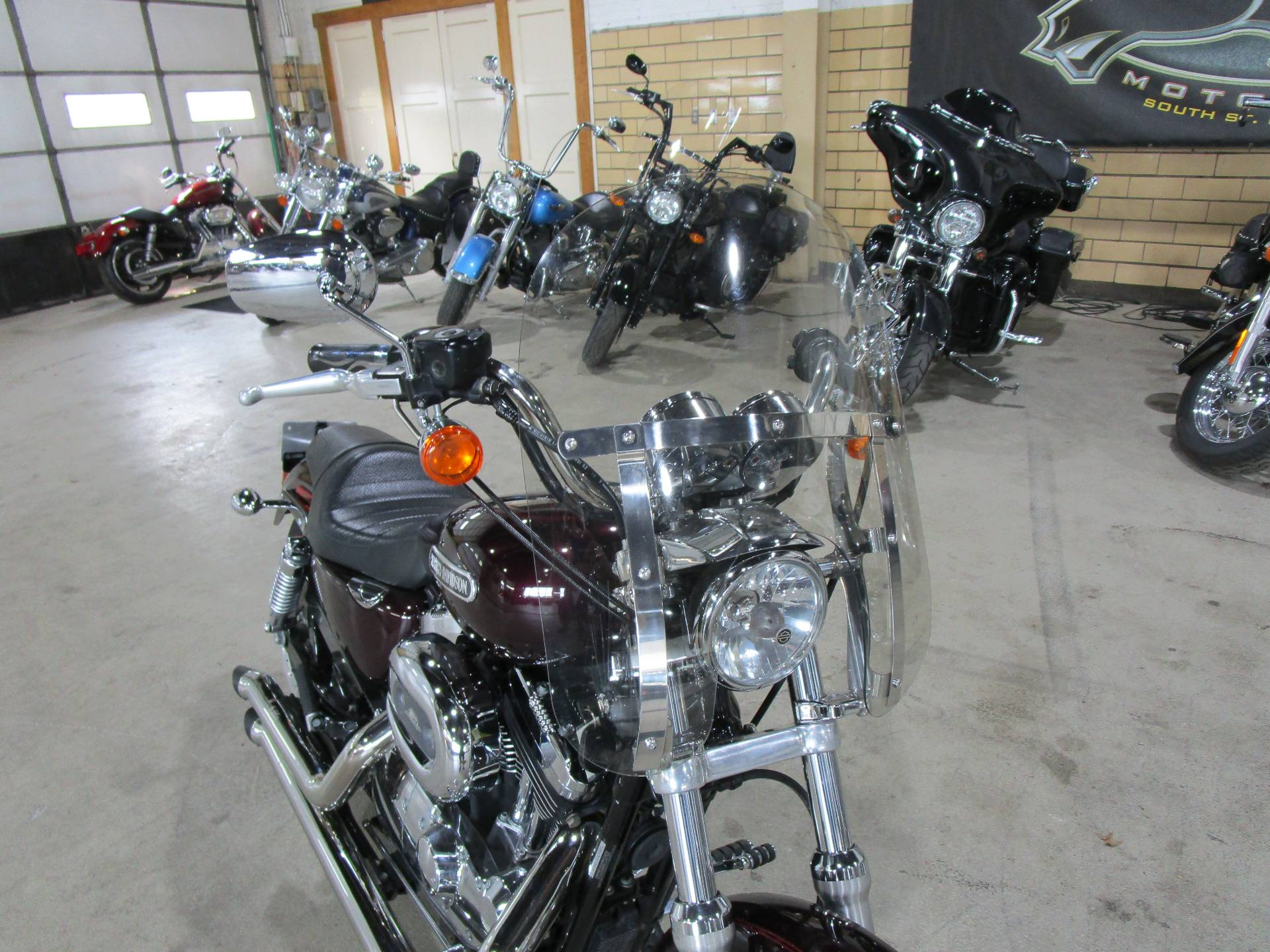 2007 Harley-Davidson Sportster® 1200 Low in South Saint Paul, Minnesota - Photo 3