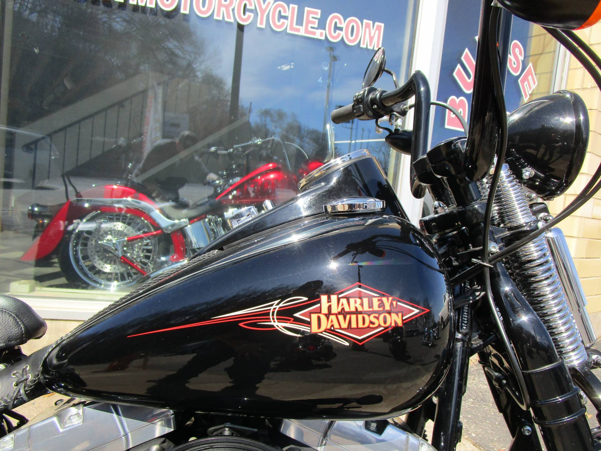 2011 Harley-Davidson Softail® Cross Bones™ in South Saint Paul, Minnesota - Photo 21