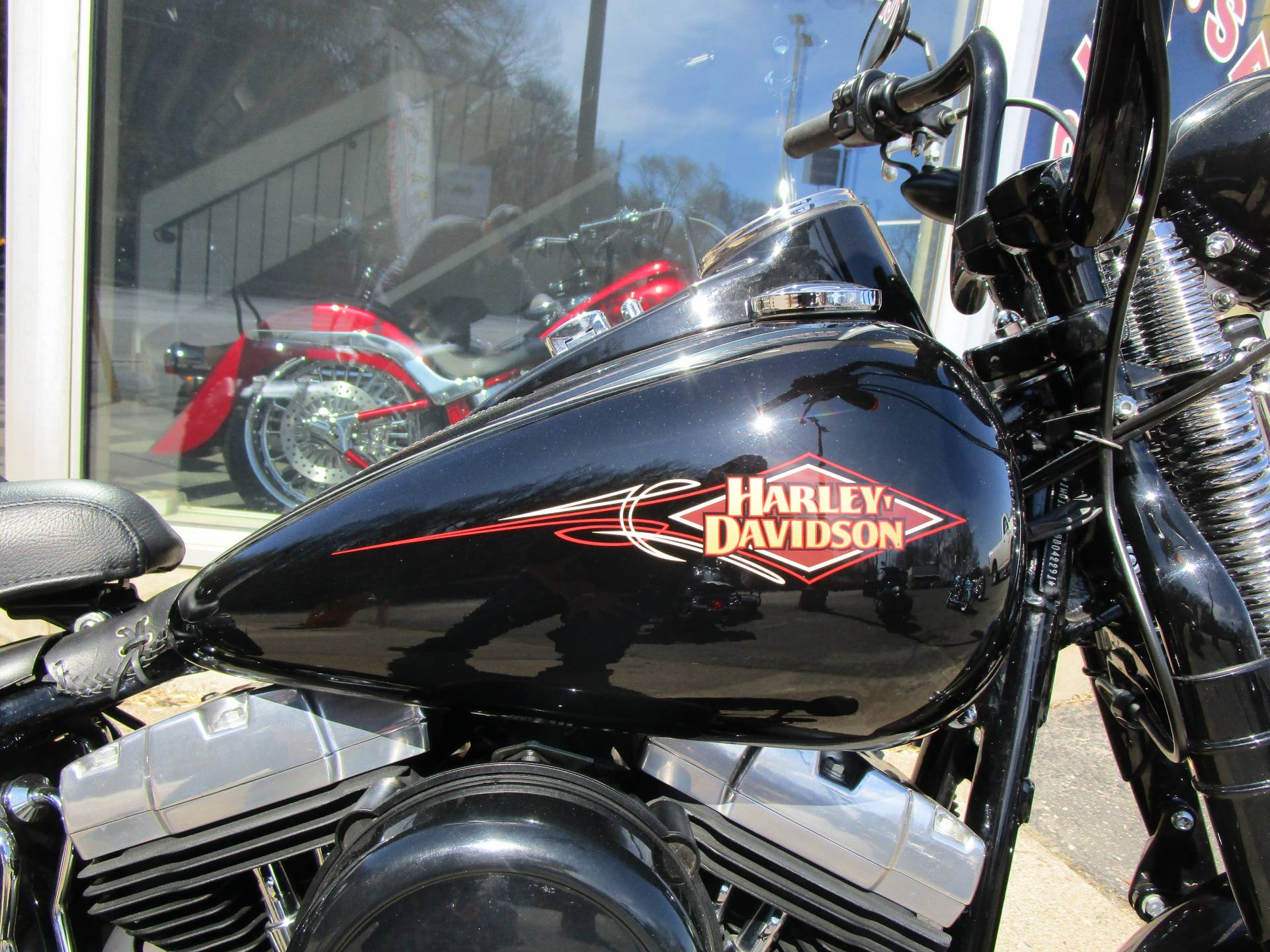 2011 Harley-Davidson Softail® Cross Bones™ in South Saint Paul, Minnesota - Photo 22