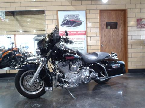 2006 Harley-Davidson Electra Glide® Standard in South Saint Paul, Minnesota - Photo 11