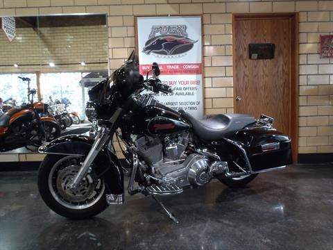 2006 Harley-Davidson Electra Glide® Standard in South Saint Paul, Minnesota - Photo 12