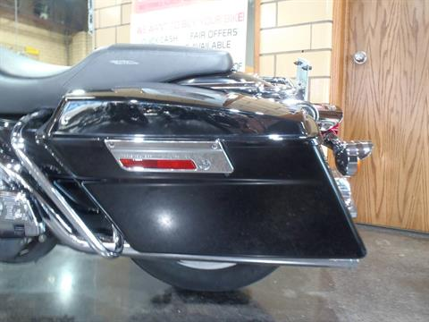2006 Harley-Davidson Electra Glide® Standard in South Saint Paul, Minnesota - Photo 13